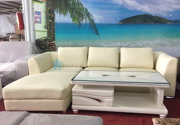 Hình ảnh Sofa da phòng khách chụp thực tế tại Tổng kho Nội thất AmiA