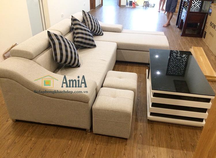 Hình ảnh Sofa nỉ phòng khách hiện đại với hình ảnh thực tế tại nhà khách hàng