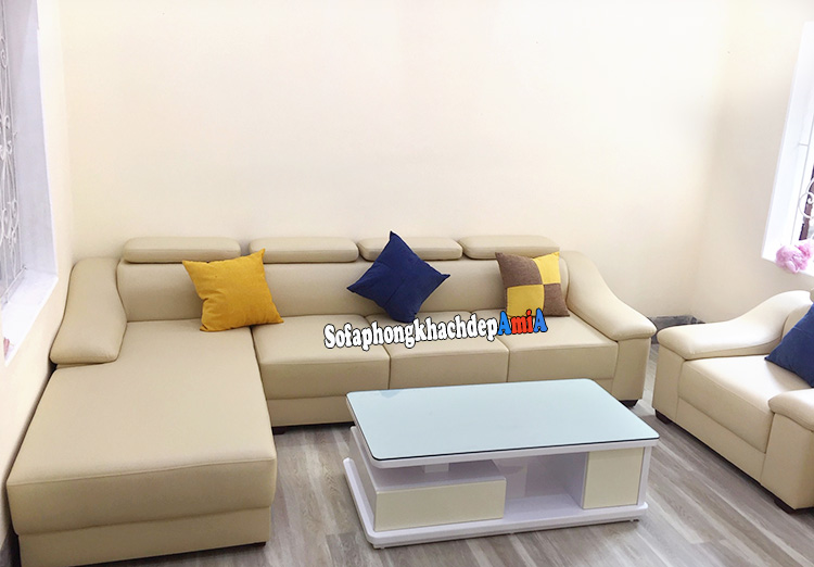 Hình ảnh Bàn sofa gỗ kính đẹp cho phòng khách đẹp AmiA BTR184