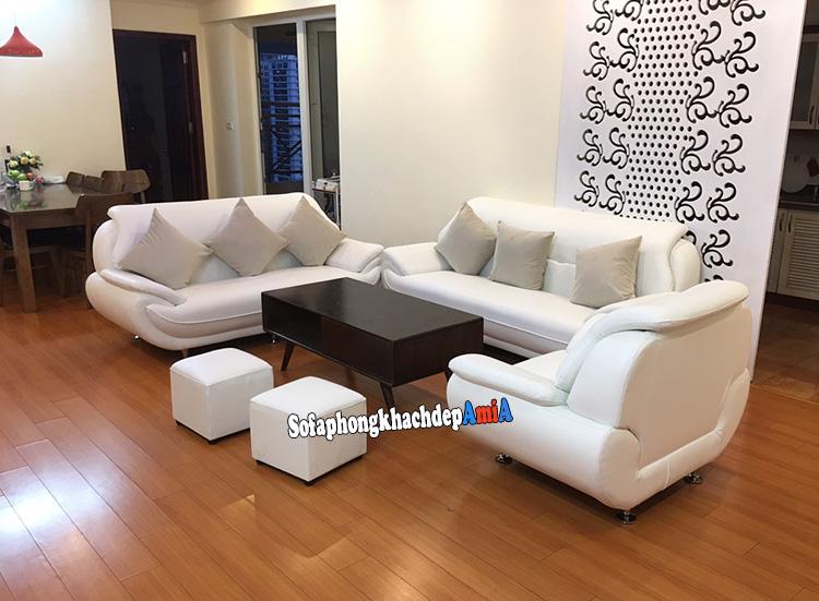 Hình ảnh Bộ bàn ghế sofa da phòng khách màu trắng đẹp hiện đại và sang trọng