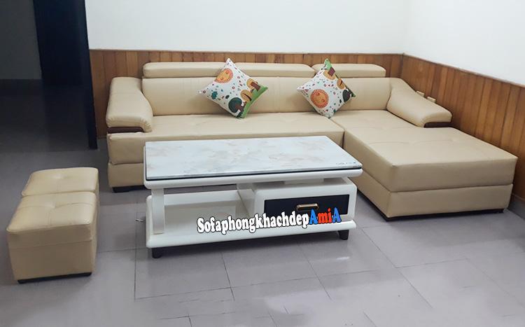 Hình ảnh Sofa da đẹp cho phòng khách hiện đại tận dụng diện tích phần góc căn phòng