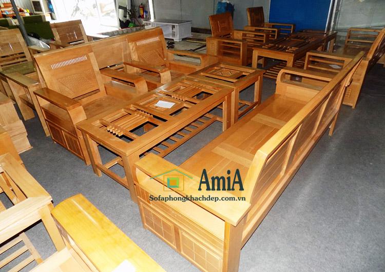 Hình ảnh Các mẫu sofa gỗ đẹp giá rẻ chụp tại kho Nội thất AmiA
