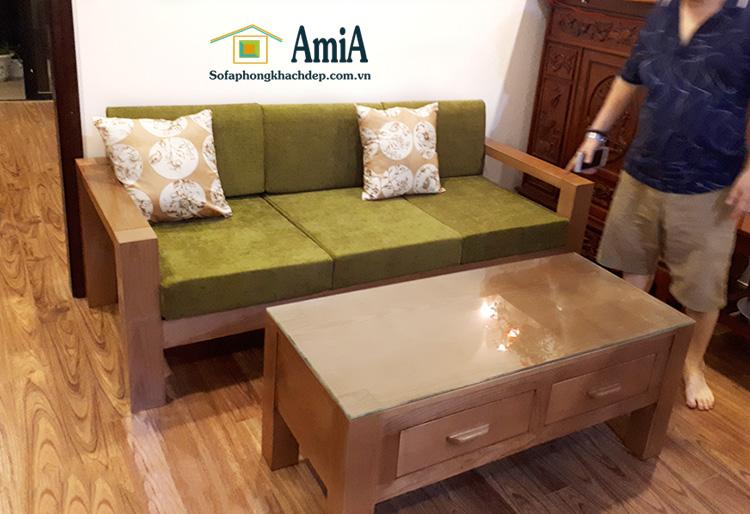 Hình ảnh mẫu ghế sofa văng gỗ đẹp tích hợp phần nệm mút êm ái