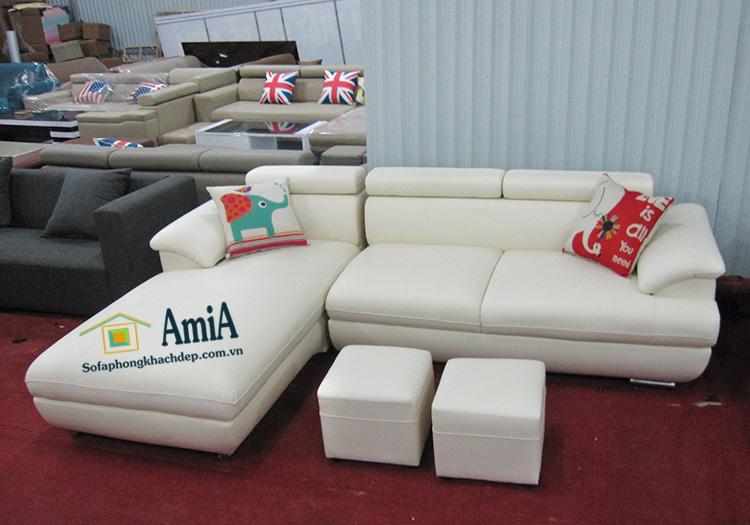 Hình ảnh Sofa da phòng khách đẹp hiện đại với gam màu trắng tinh tế
