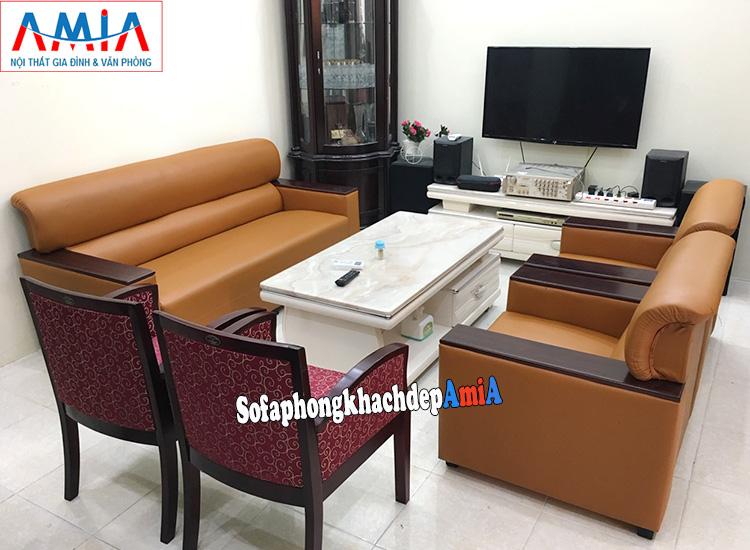 Hình ảnh Sofa da kê phòng khách gia đình đẹp hiện đại