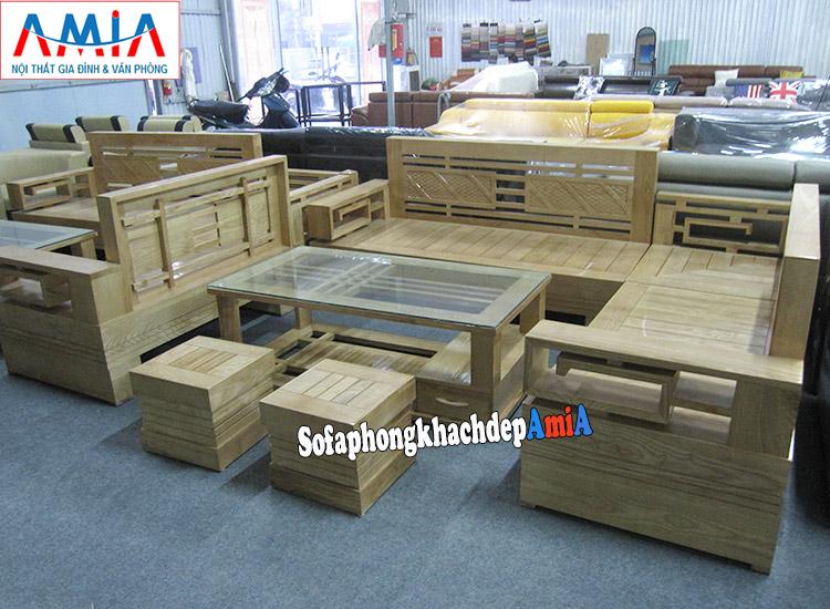 Hình ảnh Sofa gỗ góc phòng khách đẹp kết hợp bàn trà gỗ kính