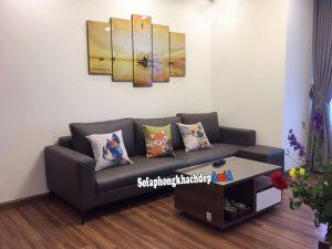Hình ảnh Sofa cho căn hộ chung cư nhỏ sử dụng ghế sofa văng da bài trí sát tường