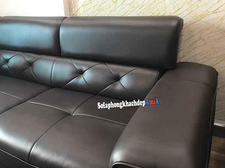 Hình ảnh sofa da cho phòng khách đẹp AmiA 193 chi tiết phần tựa lưng và chất liệu da