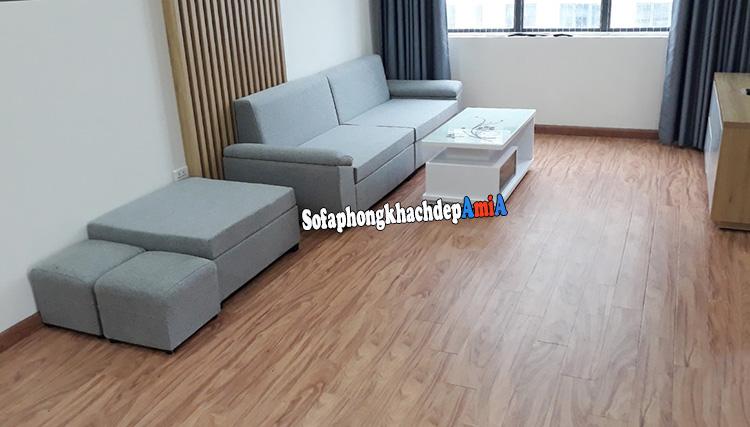 Hình ảnh Sofa phòng khách chung cư nhỏ dạng văng kèm đôn lớn