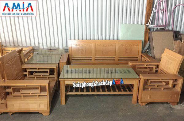 Hình ảnh Bàn ghế sofa gỗ Sồi giá rẻ kê phòng khách hiện đại