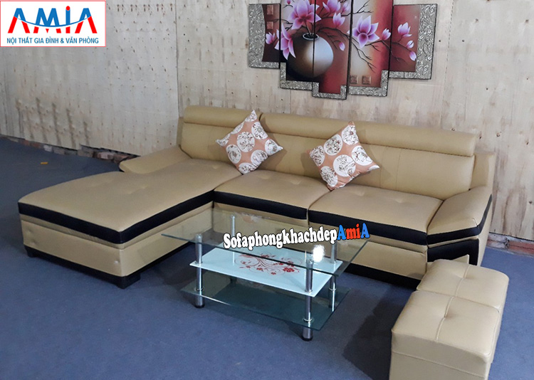 Hình ảnh Ghế sofa phòng khách hiện đại thiết kế hình chữ L chụp tại Kho nội thất giá rẻ AmiA