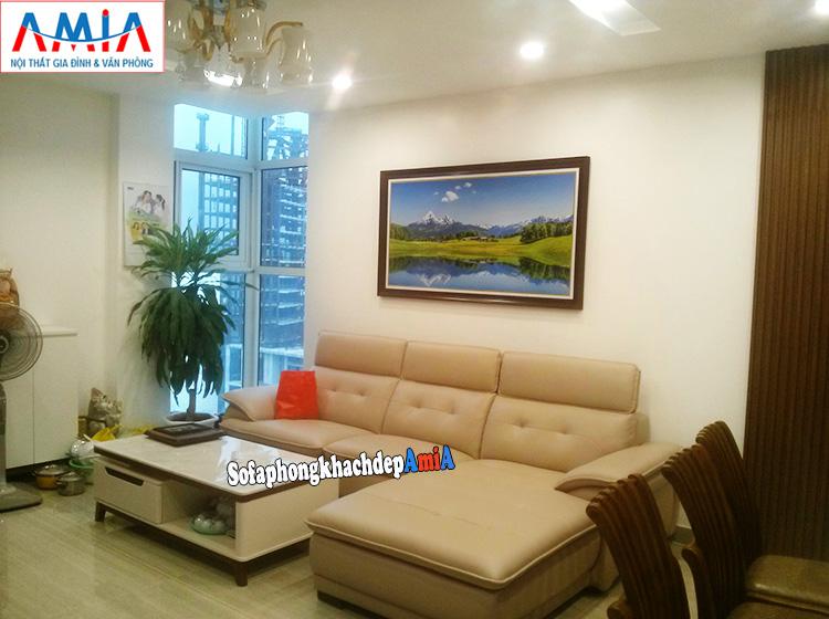 Hình ảnh Sofa góc cho căn hộ chung cư kết hợp tranh trang trí và bàn trà sofa đẹp
