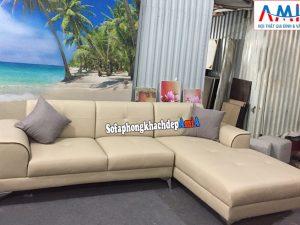 Hình ảnh Mẫu sofa da góc L phòng khách giá rẻ chất liệu da hiện đại cùng khung ghế gỗ tự nhiên