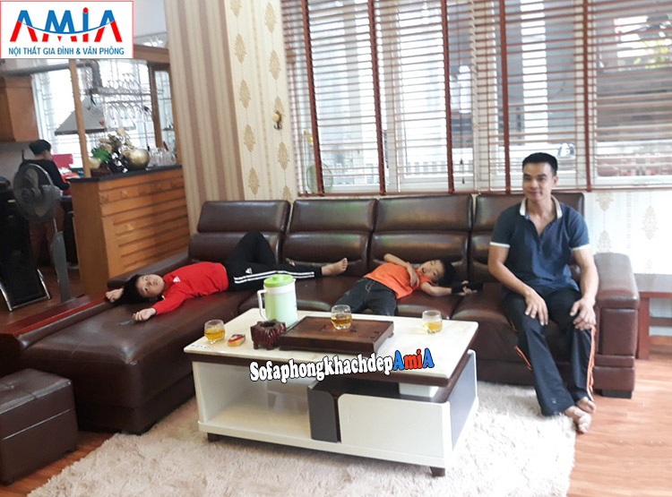 Hình ảnh Mẫu sofa da phòng khách đẹp hình L 4 chỗ gam màu nâu sang trọng