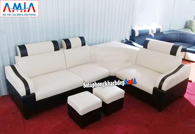 Hình ảnh Sofa góc mini cho phòng khách nhỏ kết hợp giữa 2 gam màu đen trắng hoàn hảo