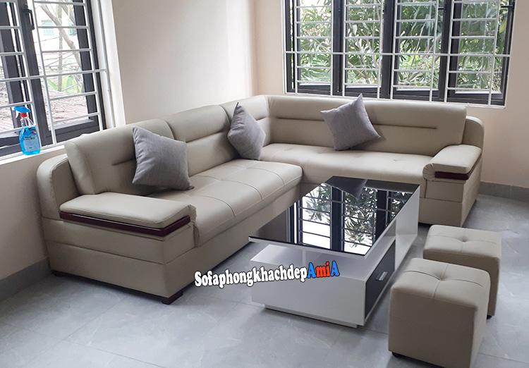Hình ảnh Bộ bàn ghế sofa phòng khách đẹp thiết kế dạng góc rất phù hợp với cấu tạo căn phòng