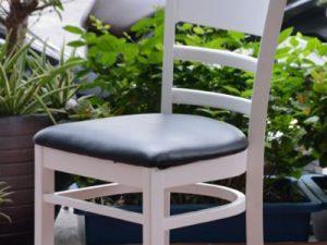 Hình ảnh Ghế bàn ăn đẹp bằng gỗ kết hợp 2 màu đen trắng đẹp hiện đại