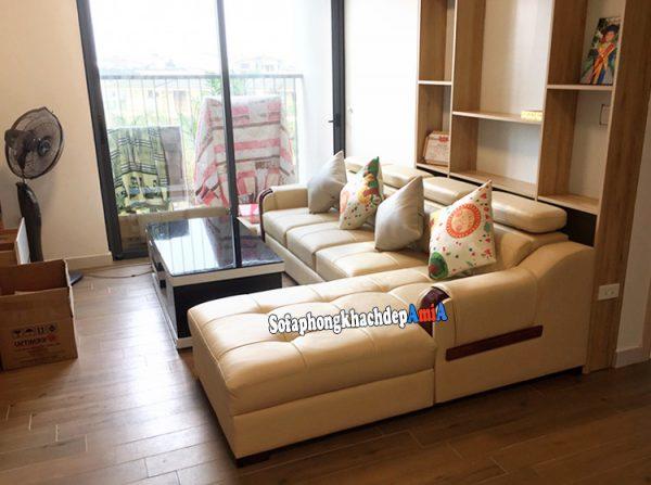 Hình ảnh Mẫu sofa da đẹp phòng khách chung cư bài trí gần khu vực ban công đẹp