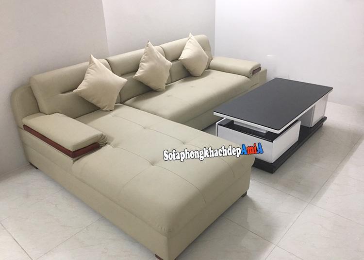 Hình ảnh Sofa da góc phòng khách đẹp Linh Đàm bài trí sát tường tận dùng diện tích căn phòng