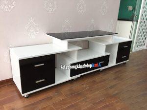 Hình ảnh Kệ gỗ tivi phòng khách đẹp phối hợp 2 màu trắng đen