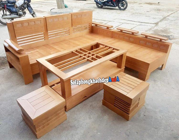 Hình ảnh Sofa gỗ góc giá rẻ phòng khách đẹp chụp tại cửa hàng sofa gỗ